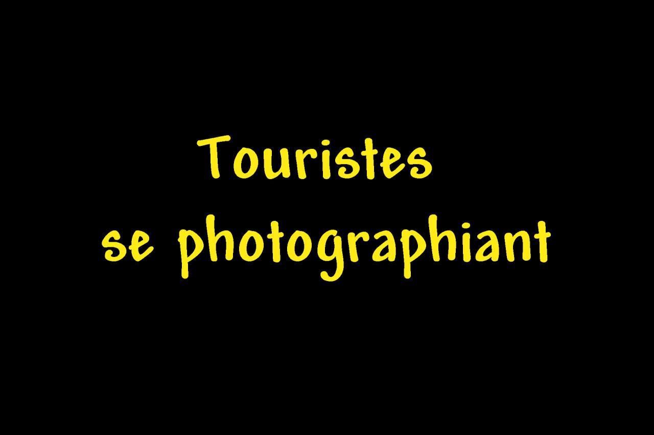 AATouristes se photgraphiant